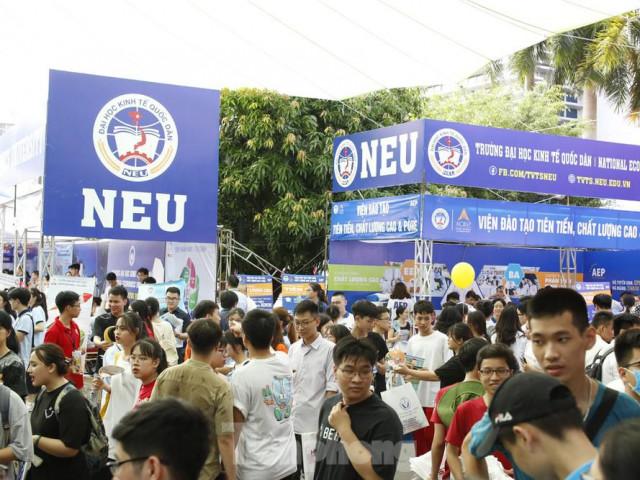 Trường Đại học Kinh tế Quốc dân chính thức công bố điểm sàn nhận hồ sơ