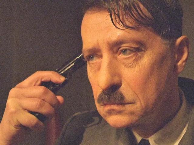 Điều tồi tệ nào xảy ra nếu Hitler không tự sát?