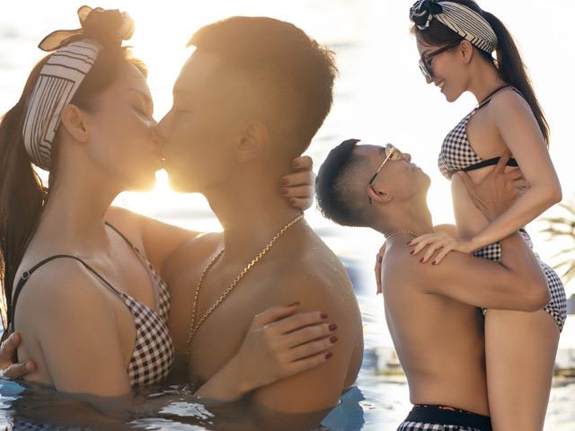 """Cặp đôi """"cô trò chênh nhau 12 tuổi"""" hôn nhau nóng bỏng ở bể bơi"""