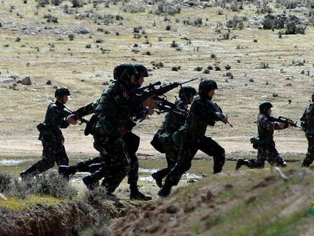 """Vì sao quân đội TQ """"bằng mọi giá"""" chiếm lại bằng được các cao điểm Ấn Độ đang kiểm soát?"""