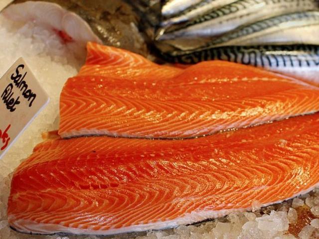 TQ: Kết quả nghiên cứu khả năng tồn tại của Covid-19 trên cá hồi, nguy cơ thành nguồn lây quốc tế