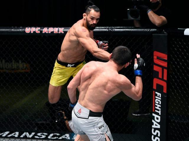 Võ sĩ UFC lên sàn đấu trả thù cá nhân, tung liên hoàn tát đáng sợ