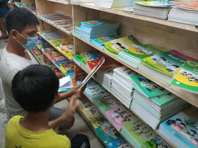 Sách giáo khoa lớp 1 bắt buộc chỉ 8 cuốn