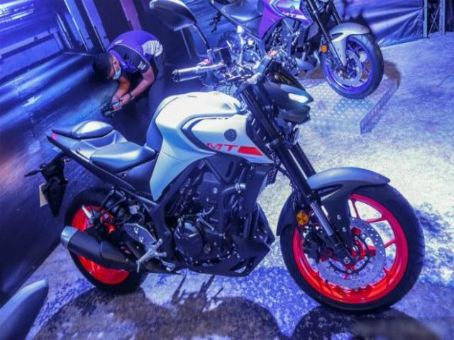2020 Yamaha MT-25 ra mắt, kiểu chồm lỡ cực mạnh