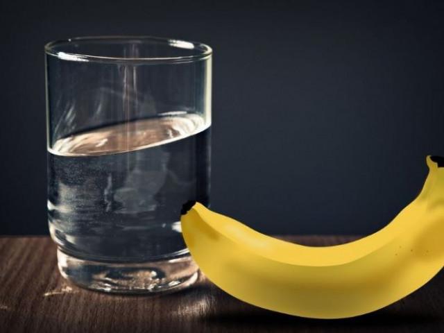 Ăn chuối và uống nước ấm mỗi buổi sáng thì điều gì sẽ xảy ra?