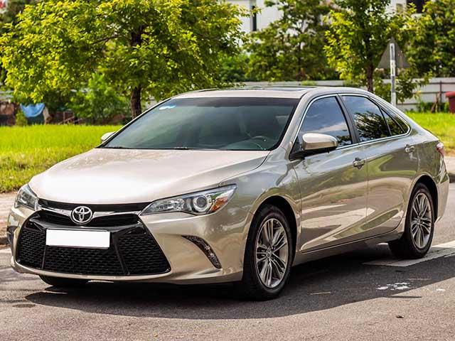 Toyota Camry nhập Mỹ chạy chán bán cao hơn xe mới