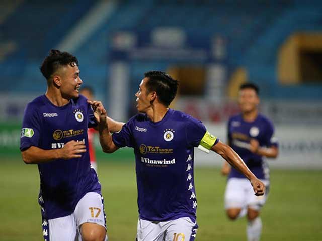 Văn Quyết lập hat-trick vùi dập đội Công Phượng, ghi điểm mạnh với thầy Park