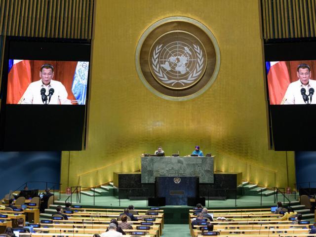 """Trung - Mỹ """"khẩu chiến"""" tại Liên Hợp Quốc: Philippines đã chọn một bên?"""