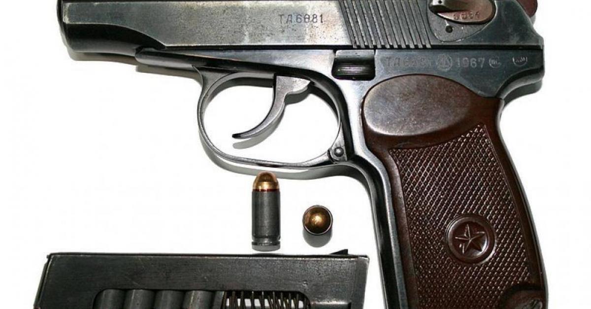 Truy bắt kẻ táo tợn nổ súng trong quán cà phê đông người