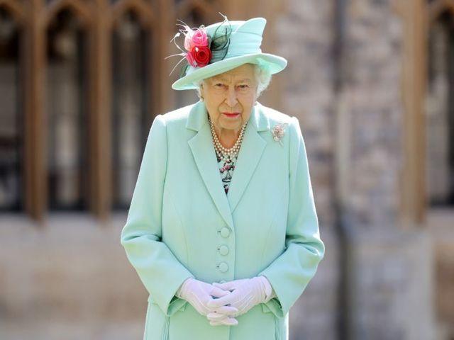Nổi tiếng giàu có, hoàng gia Anh bị ảnh hưởng nghiêm trọng thế nào vì Covid-19?
