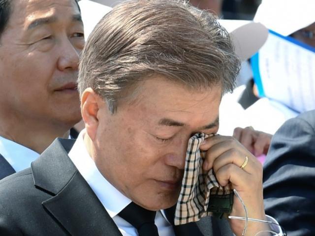 """Vụ Triều Tiên bắn chết quan chức HQ: Thư ông Kim Jong Un khiến ông Moon """"cảm động mạnh"""""""