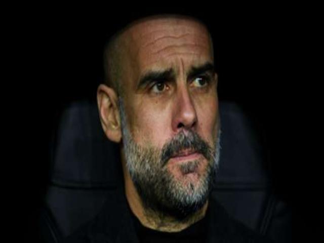 Chóng mặt Man City đốt hơn 450 triệu bảng xây hàng thủ, khốn khổ Pep Guardiola