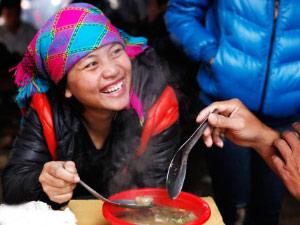 """Lên Hà Giang ăn """"lẩu dân tộc"""""""