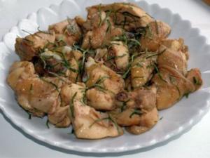 Ngon tuyệt đỉnh thịt gà rang lá chanh
