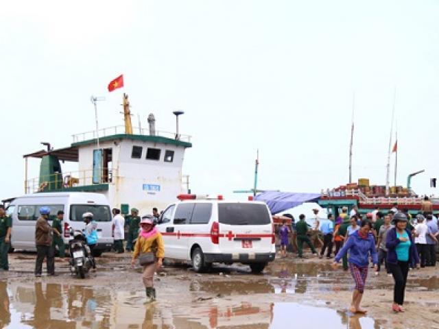 Chìm tàu hàng gần đảo Cồn Cỏ, nhiều người gặp nạn