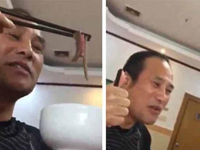 Video: Kinh dị người đàn ông ăn đỉa sống ngon lành