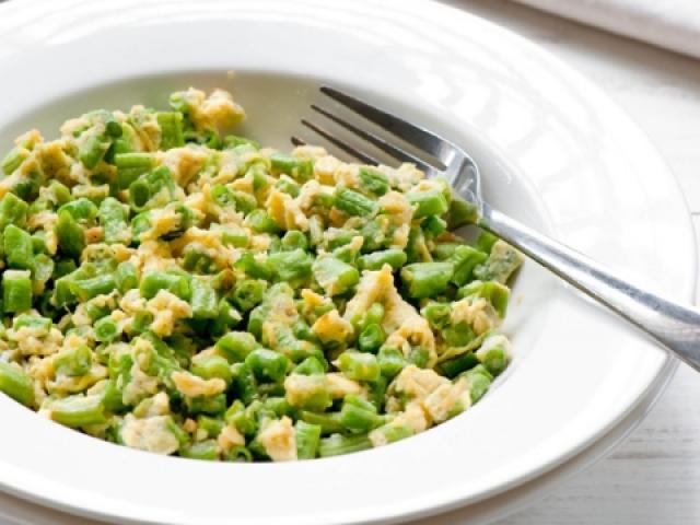 5 món trứng gà xào rau củ ngon miệng, dễ làm