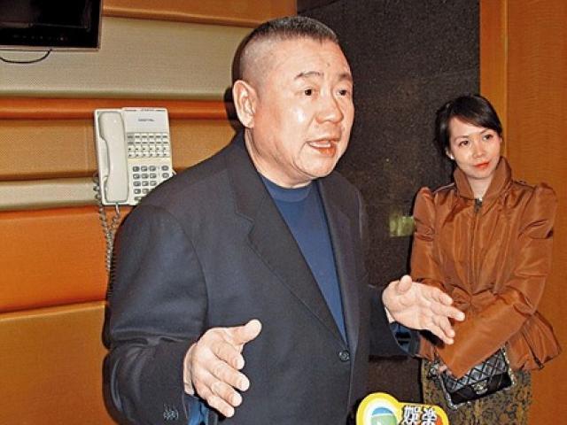 Chia tay vợ, tỉ phú Hong Kong tặng quà 8.800 tỉ