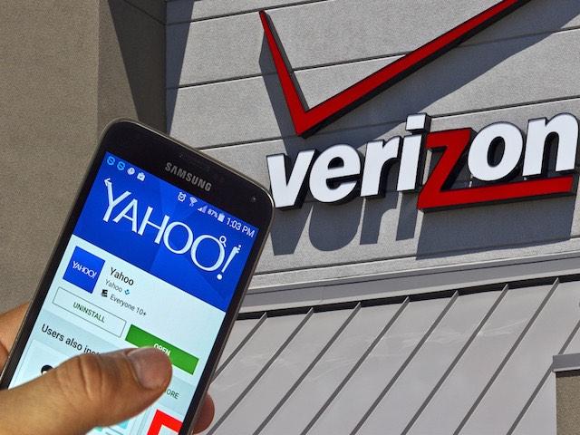 """Phát hiện """"động trời"""" của Verizon về Yahoo! sau 4 tháng thâu tóm"""