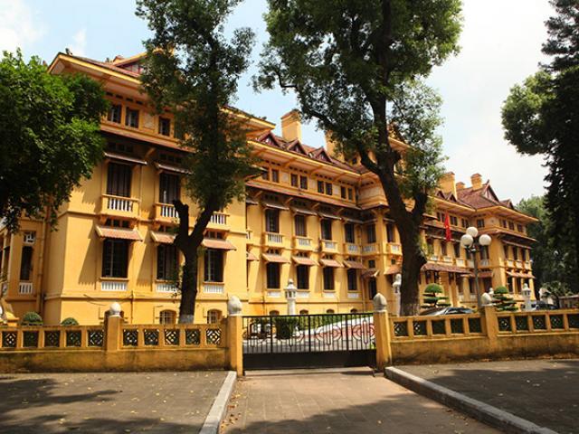 """Choáng ngợp kiến trúc tòa nhà trăm mái """"độc nhất vô nhị"""" ở Việt Nam"""