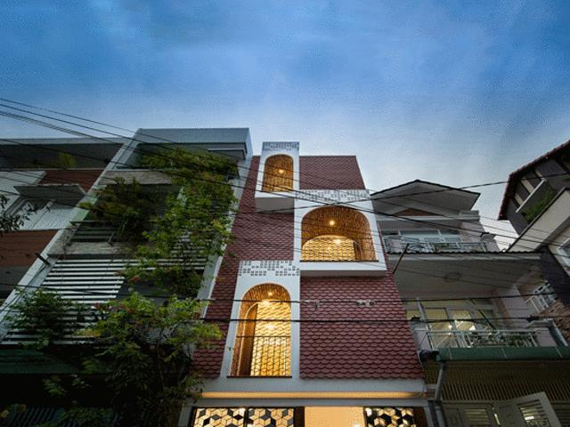 """Đẹp """"rụng rời"""" căn nhà ống vỏ ngói của chàng kiến trúc sư Sài Gòn"""