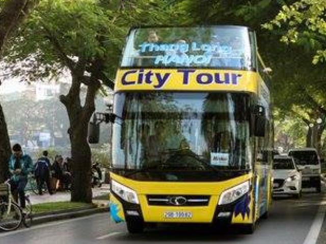 """Hà Nội có thêm ba xe buýt 2 tầng mui trần màu sắc """"cực lạ"""""""