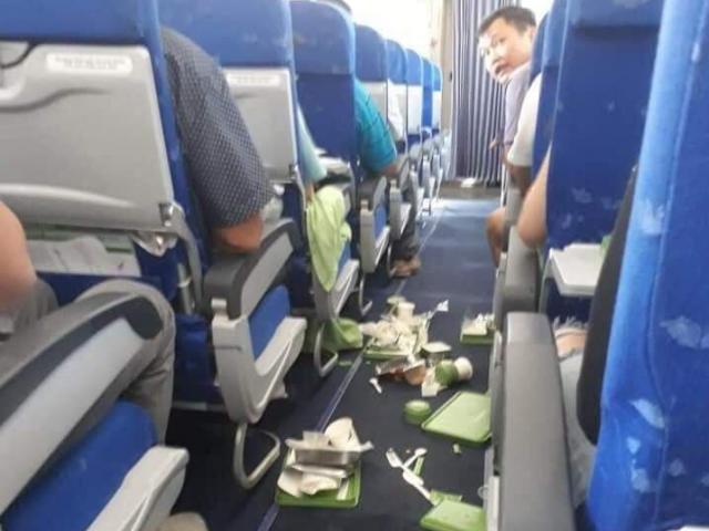Bamboo Airways nói gì về vụ máy bay từ TP.HCM ra Hà Nội rung lắc, đồ ăn rơi tung tóe?
