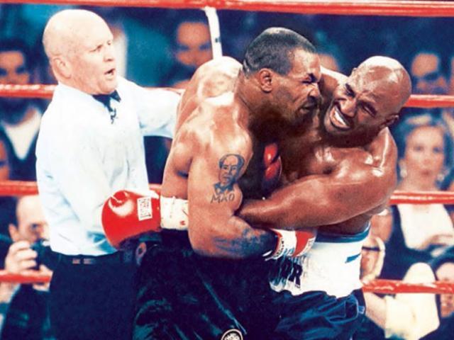 Huyền thoại bị Mike Tyson cắn tai gây choáng: U60 đấu võ sỹ 21 tuổi