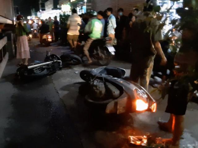 Trên đường đi học về, hai cháu bé ở Sài Gòn gặp nạn dưới bánh xe container