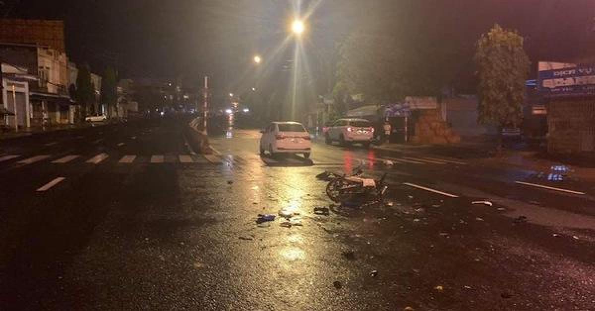 Tai nạn trên đường, 1 trung úy công an tử vong