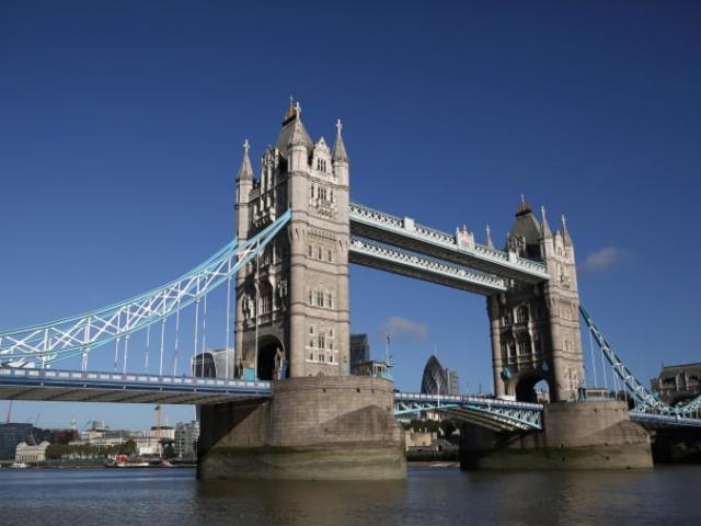 Bí mật ít ai biết về những cây cầu nổi tiếng nhất London