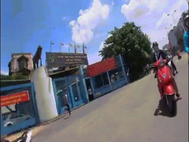 Xem Cảnh sát Hình sự truy đuổi bắt cướp như phim hành động