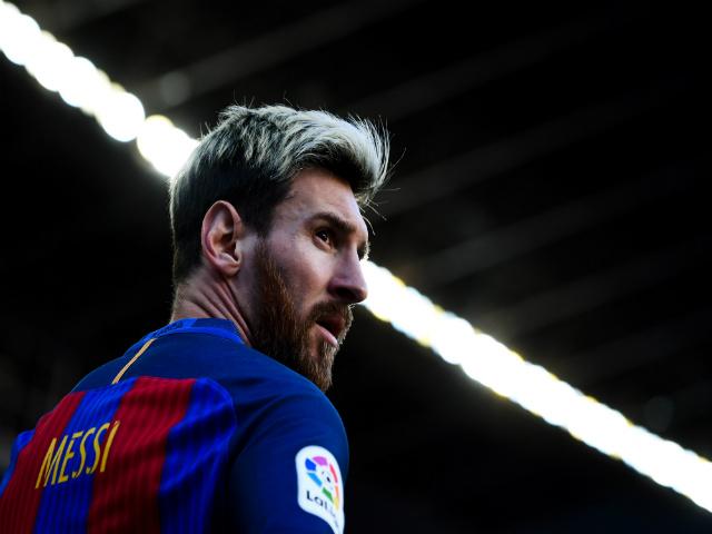 Messi tiết lộ sốc suýt rời Barcelona vì án trốn thuế, ở lại vì không ai mua