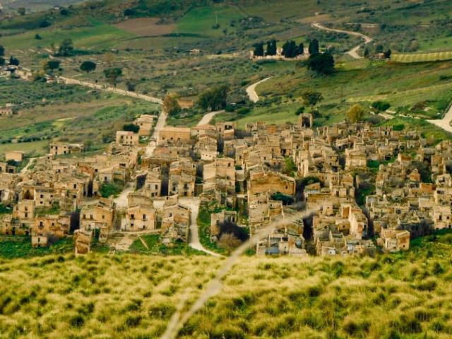 Thị trấn ma bí ẩn nhất nước Ý