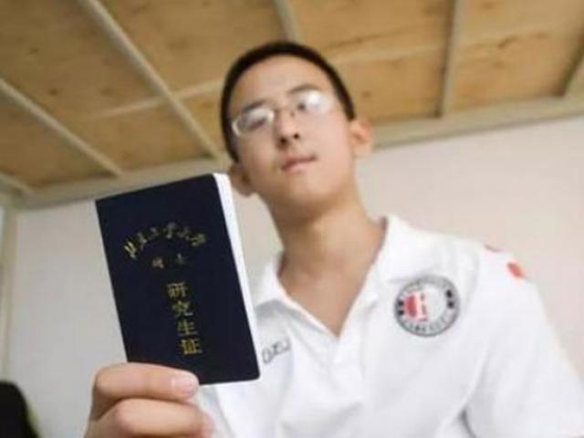 """Thần đồng Trung Quốc ép bố mẹ mua nhà vì biết sẽ lãi """"khủng"""" sau 8 năm"""