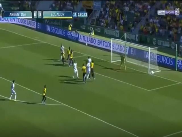 Video highlight trận Ecuador - Argentina: Đại tiệc 7 bàn, sức mạnh tuyệt đối