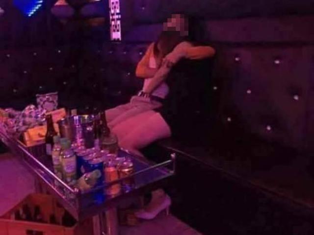 Rủ đi nhậu rồi dẫn thiếu nữ vào quán karaoke hiếp dâm