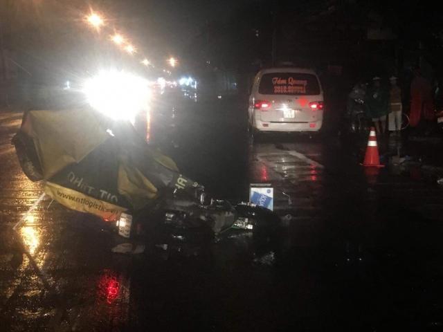 Truy tìm ô tô tông chết người rồi bỏ trốn trong đêm mưa
