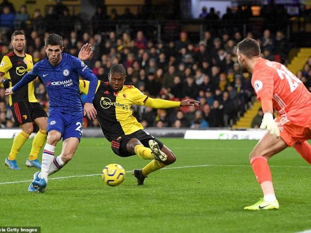 """Chelsea vào top 3, MU """"hít khói"""" Ngoại hạng Anh: Lampard đi vào lịch sử"""