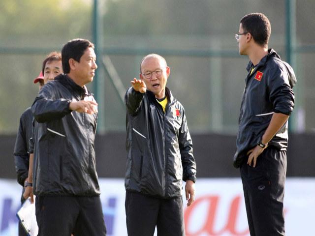 ĐT Việt Nam đấu Thái Lan nguy cơ mất 3 trụ cột, thầy Park tính kế gì?