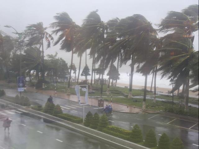 Bão số 6 Nakri sức gió 135km/h hướng vào Trung Bộ, ban hành công điện khẩn
