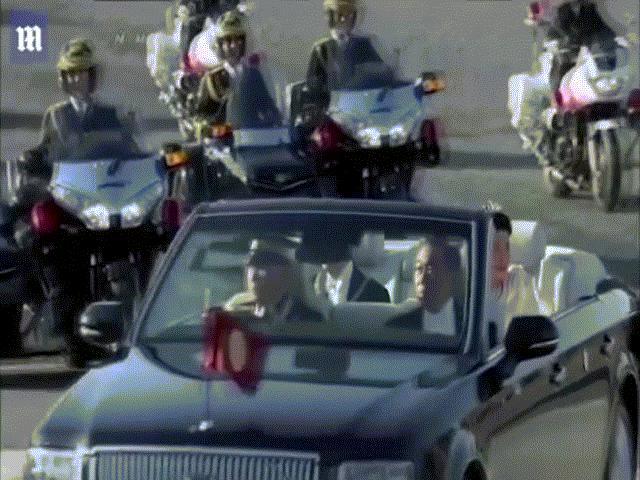 Video: Nhật hoàng Naruhito và hoàng hậu diễu hành ra mắt hàng trăm ngàn người dân