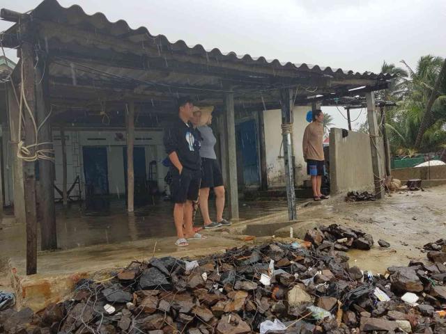 Bão số 6 Nakri đổ bộ Phú Yên - Khánh Hòa: 2 người chết vì chống bão