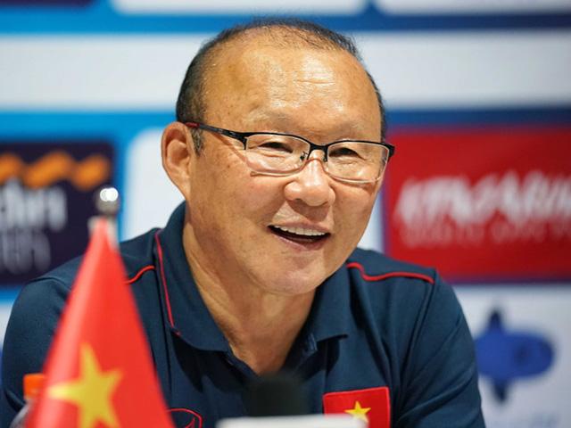 Trực tiếp họp báo Việt Nam đấu Thái Lan: HLV Park Hang Seo nói gì về kình địch?