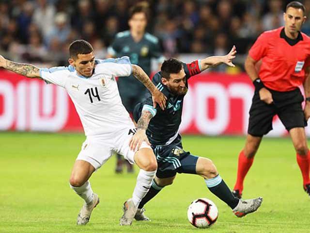 Messi solo thần sầu: 1 chọi 5 ngã vẫn giữ bóng, tuổi 32 còn rất đáng gờm