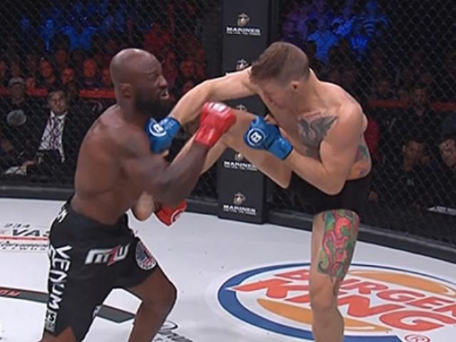 """Sửng sốt MMA: """"Nhà vua"""" 87kg lên sàn 82 giây bị """"đòn gió"""" ngất luôn"""