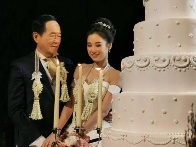 Cụ ông 70 tuổi mạnh tay chi hơn 15 tỷ để cưới vợ trẻ 20 tuổi xinh như hoa hậu