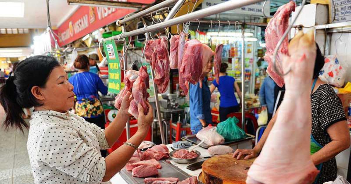 Dân gặp khó vì thịt heo tăng giá