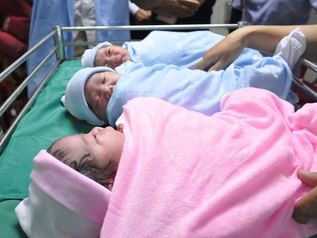 Tổng cục Dân số nói gì về đề xuất sinh con thứ 2 được hỗ trợ mua nhà ở TP.HCM?