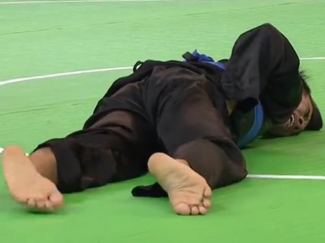 Trò hề rúng động SEA Games: Đấu Pencak Silat dùng Muay triệt hạ đối thủ